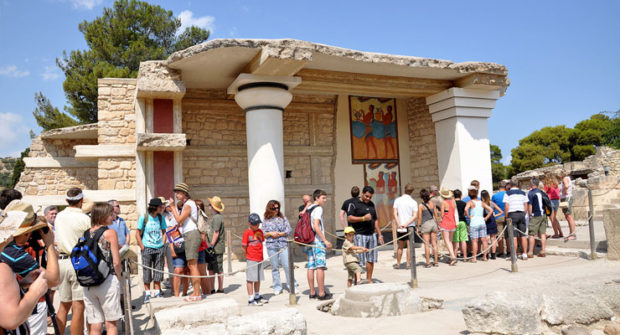 knossos palace historical site